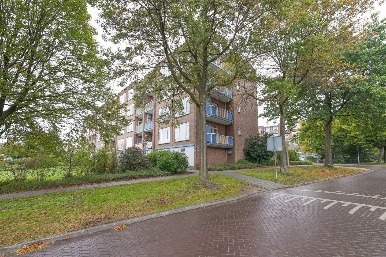Bekijk foto 2 van Burgemeester Bloemersweg 46 1