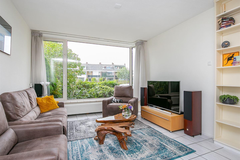 Bekijk foto 2 van H Roland Holststraat 4