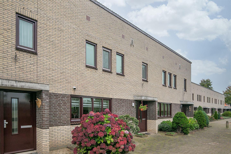 Bekijk foto 2 van Generaal Maczekstraat 18