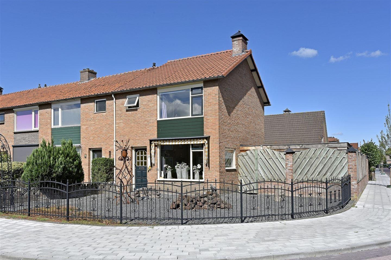 Bekijk foto 3 van Veldstraat 24