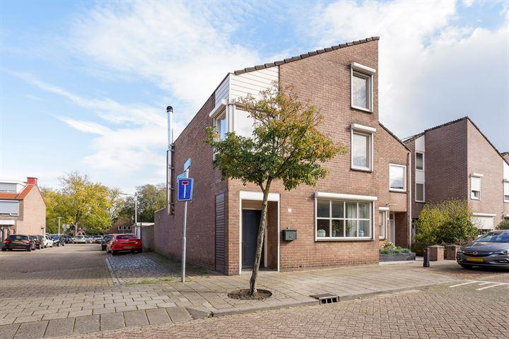 Oeverstraat 14