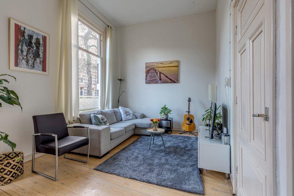 Bekijk foto 2 van van Slichtenhorststraat 48