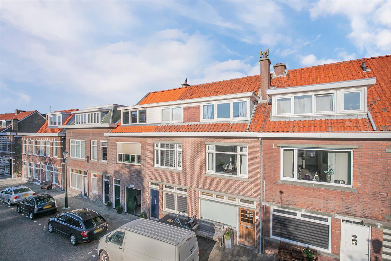 Bekijk foto 2 van Dr. de Visserplein 77