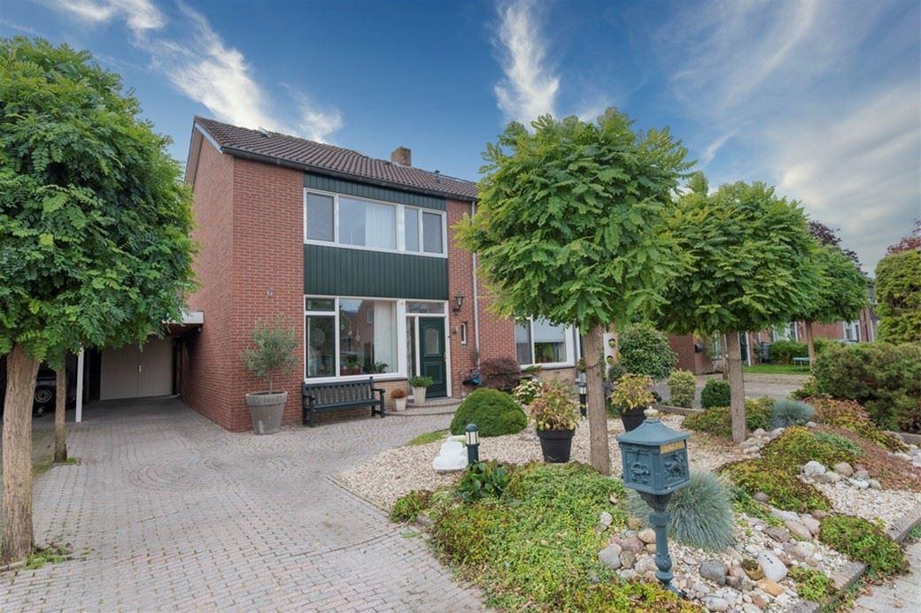 Bekijk foto 2 van Sportveldstraat 29