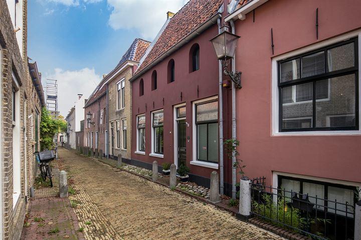 Kleine Kerkstraat 7