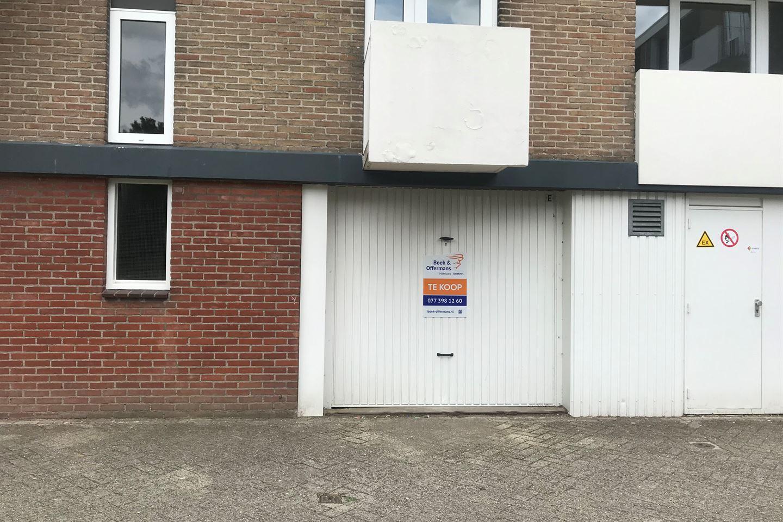 Bekijk foto 2 van Alberickstraat garage 5