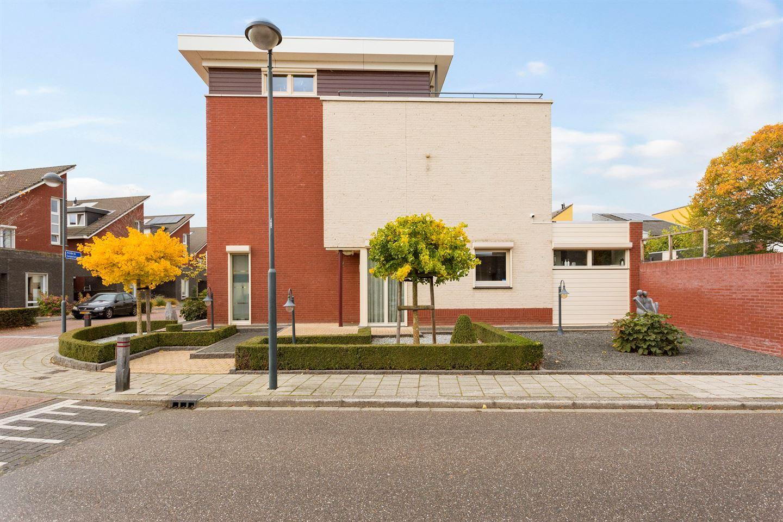 Bekijk foto 1 van Alcide de Gasperistraat 2
