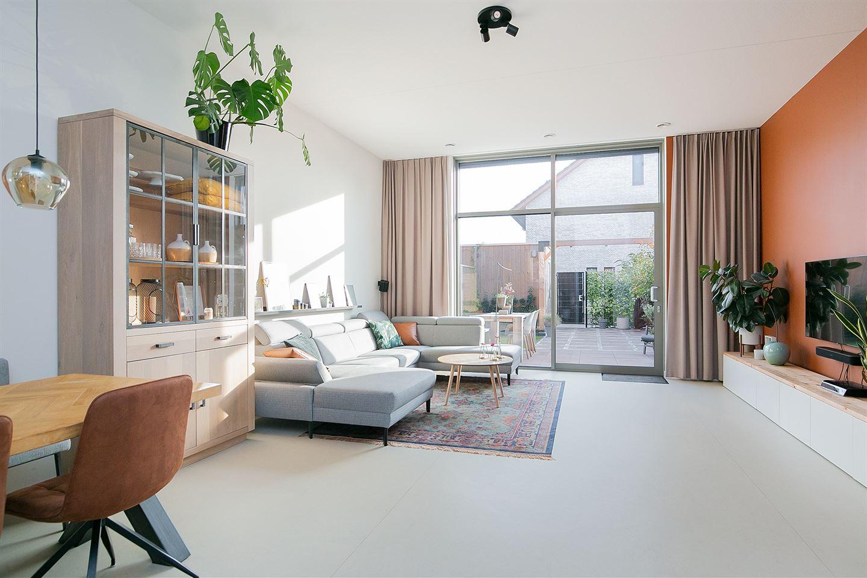 Bekijk foto 5 van Van der Duijn van Maasdamweg 12