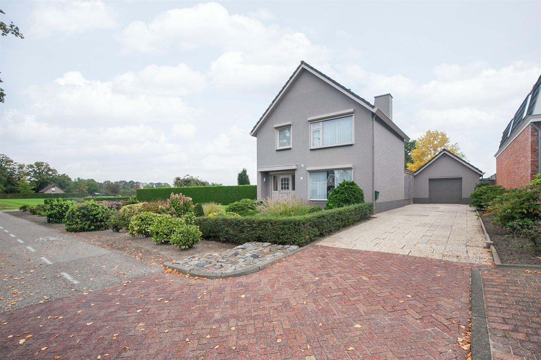 Bekijk foto 1 van Bredaseweg 30 a