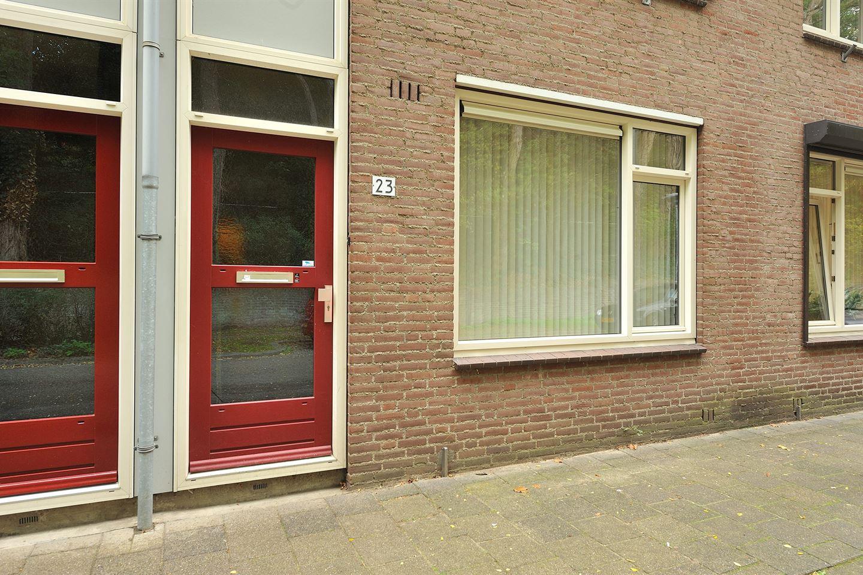 Bekijk foto 3 van Petrus Canisiusstraat 23