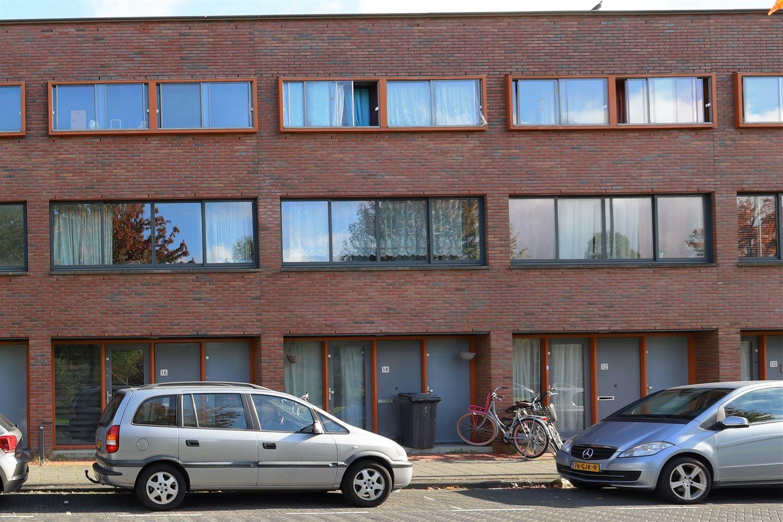 Bekijk foto 2 van Isabella Richaardsstraat 18