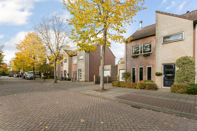 Bekijk foto 3 van Brabantlaan 8