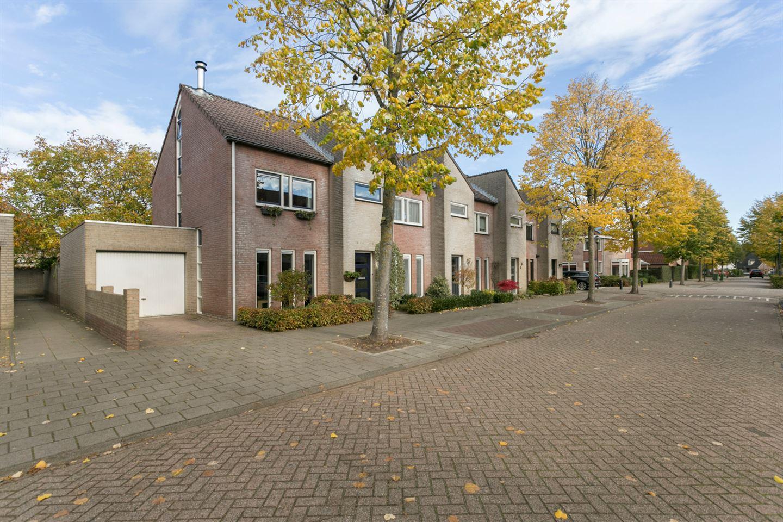Bekijk foto 1 van Brabantlaan 8