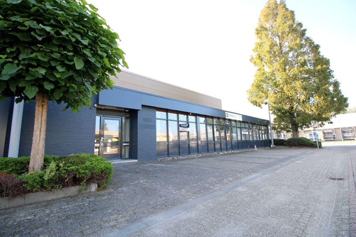 Bekijk foto 1 van Industrieweg 18