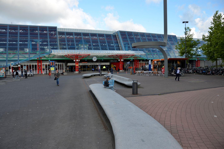 Bekijk foto 5 van Stationsplein 38