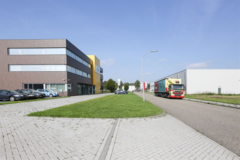 Bekijk foto 4 van Niels Bohrweg 6