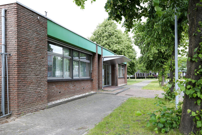 Bekijk foto 2 van Remmingweg 45