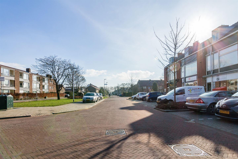 Bekijk foto 3 van Karel Doormanlaan 42