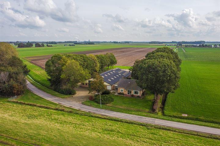 Amerweg 4, Lage Zwaluwe
