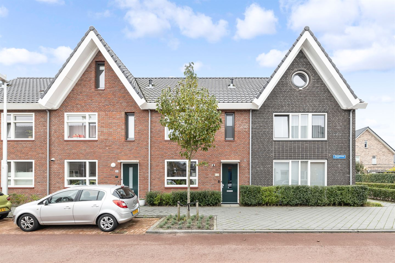 View photo 2 of Marjoleinweg 30