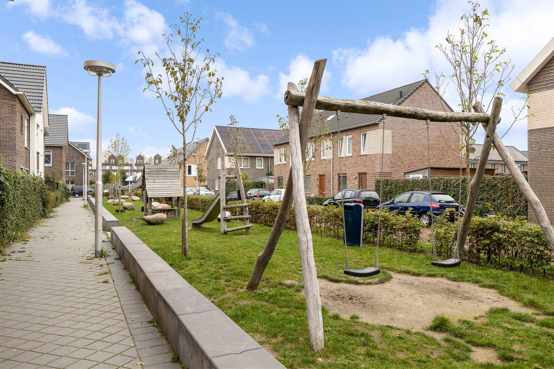 View photo 3 of Marjoleinweg 30