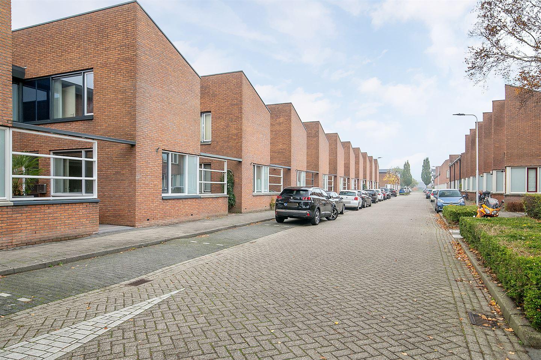 Bekijk foto 2 van Hendrik van Lunterenstraat 9