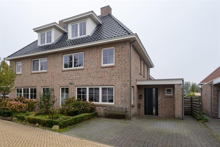 Ahornhout 26