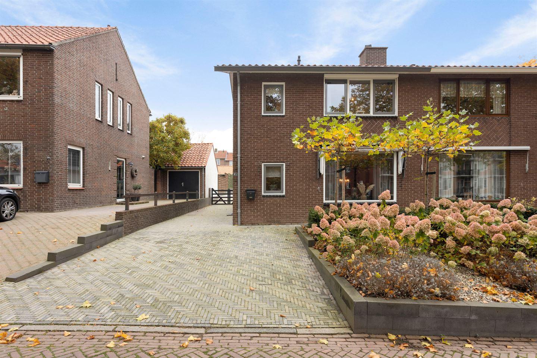Bekijk foto 2 van Nieuwe Veenendaalseweg 68