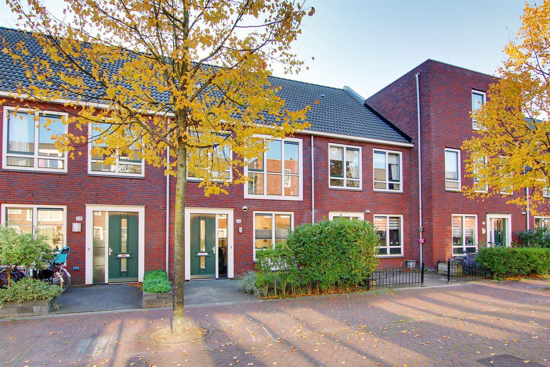 Bekijk foto 1 van C. Kruyswijkstraat 26