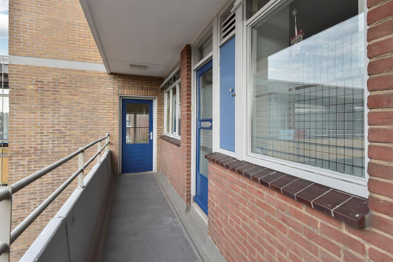 Bekijk foto 2 van Van Adrichemstraat 81