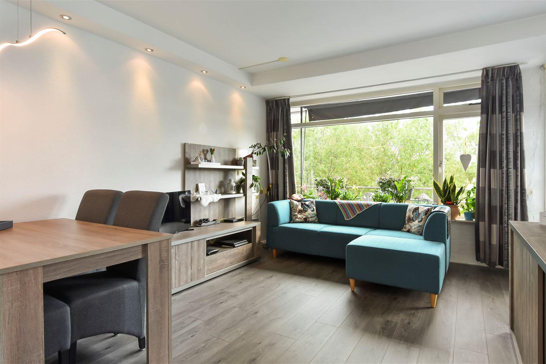 Bekijk foto 3 van Van Adrichemstraat 81