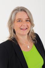 Monique van Staaveren (Sales employee)