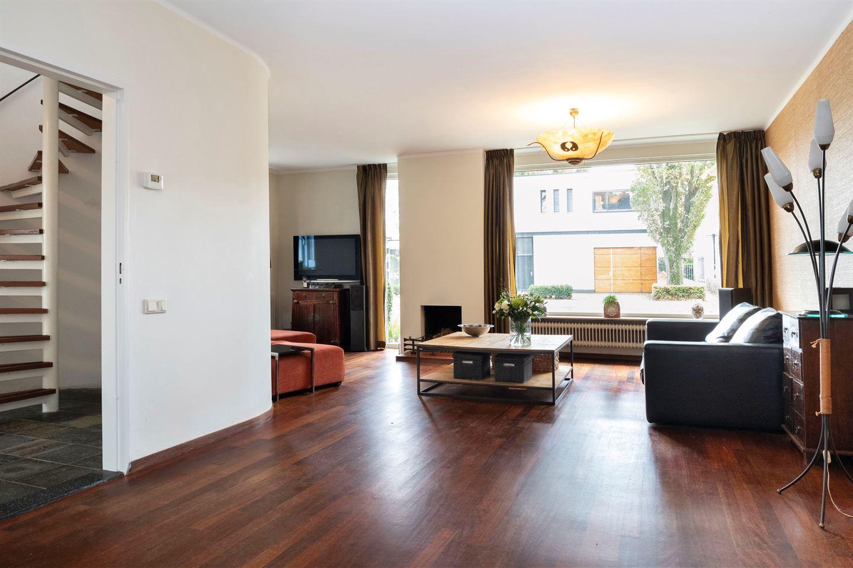 View photo 4 of Burgemeester Rauppstraat 19