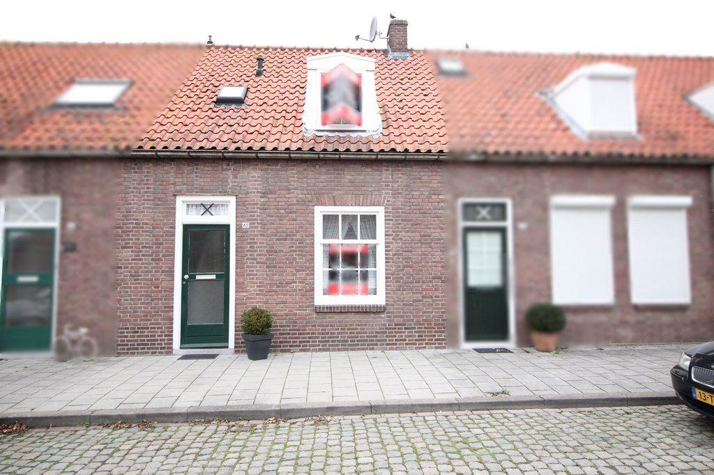 Bekijk foto 1 van Gentsestraat 42 .