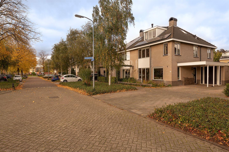 Bekijk foto 2 van Piet Heinlaan 19