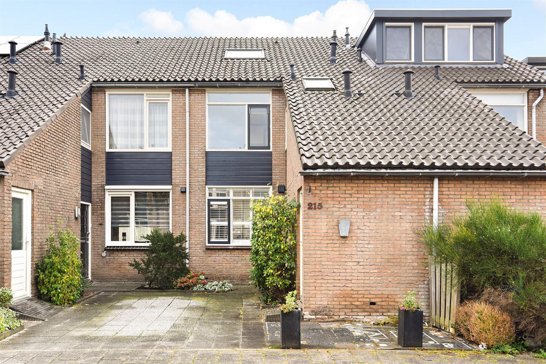 Bekijk foto 1 van Saffierstraat 215