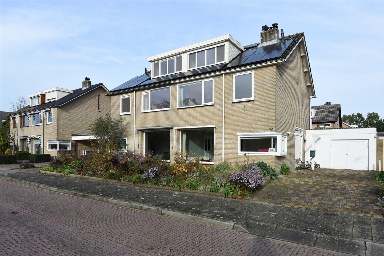 View photo 1 of De Wieken 14