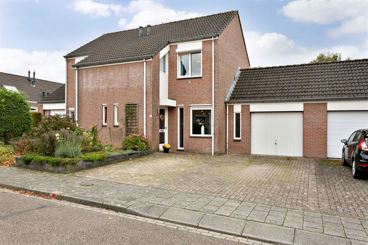 Pastoor Hutschemakersstraat 18