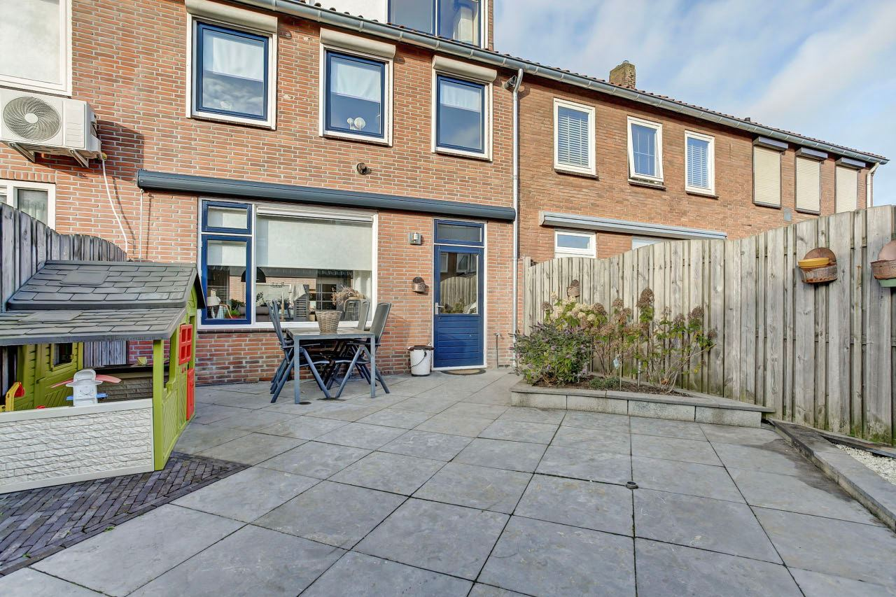 Bekijk foto 2 van Van Ruysdaelstraat 9