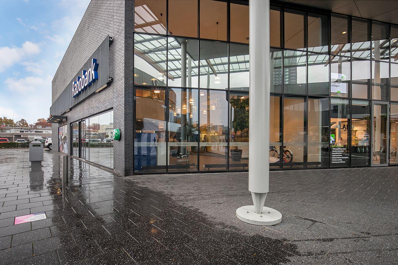 Bekijk foto 4 van Winkelcentrum Woensel 400