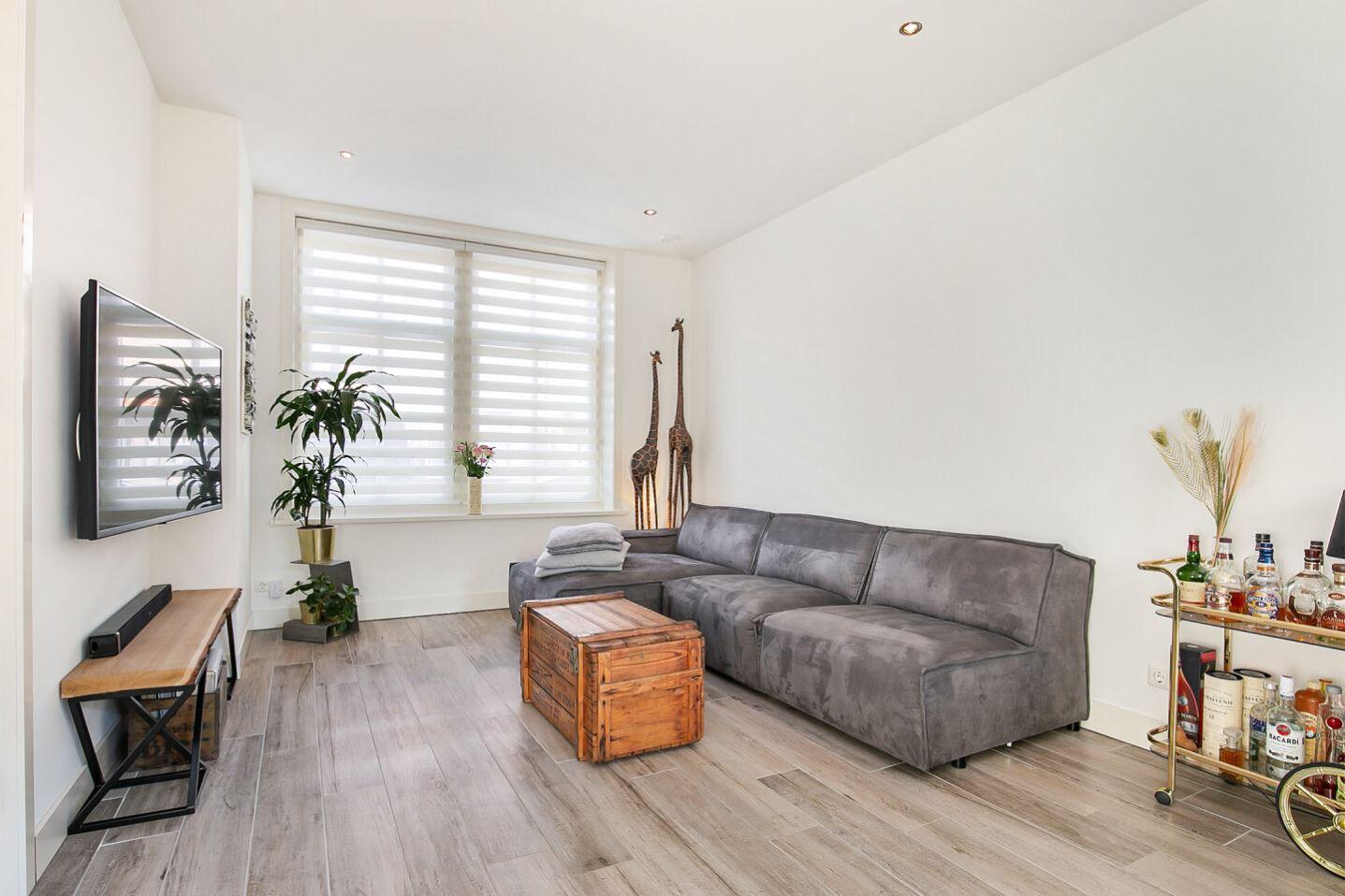 Bekijk foto 2 van Duijvendrechtstraat 35