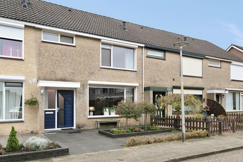 Bekijk foto 1 van Zwaluwstraat 36