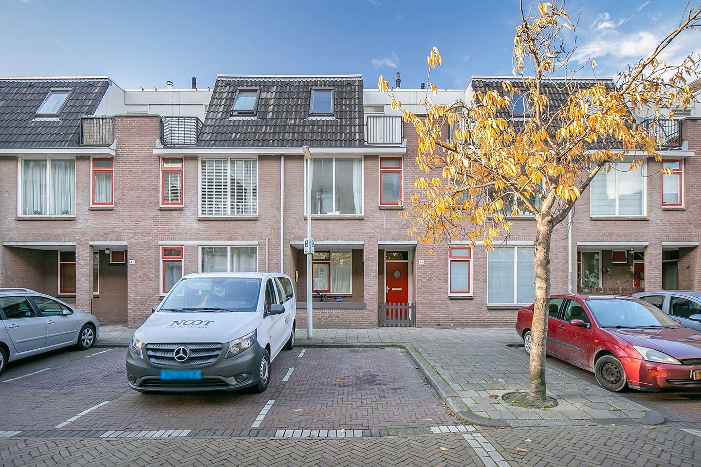 Bekijk foto 1 van Van Leeuwenhoekstraat 48