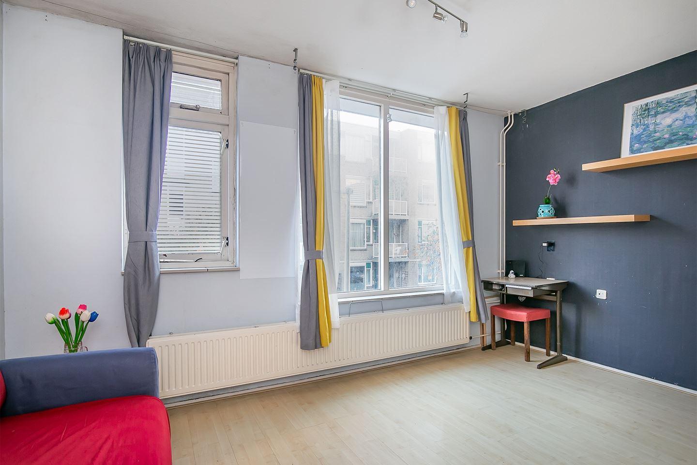 Bekijk foto 2 van Van Leeuwenhoekstraat 48