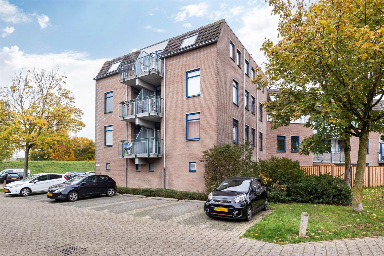 Bekijk foto 2 van Schepen Monetariusstraat 79