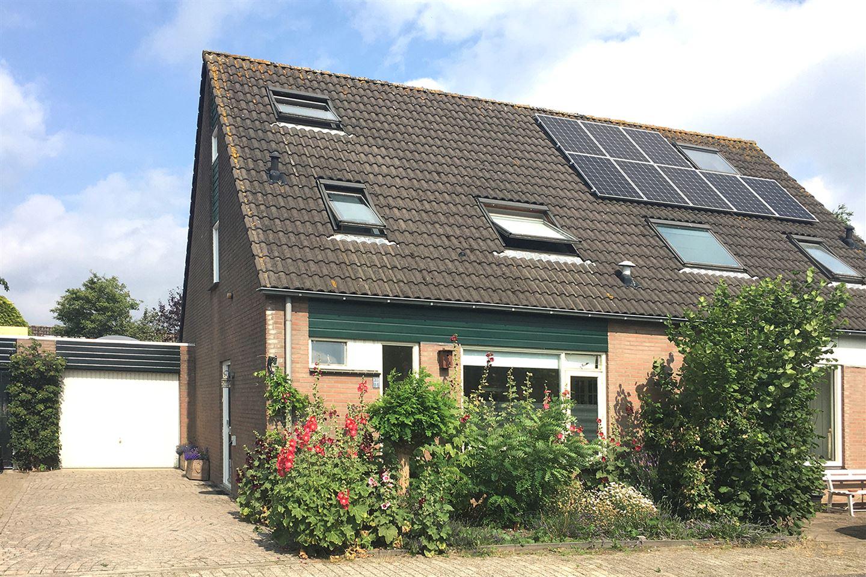 Bekijk foto 1 van Utrechthof 12