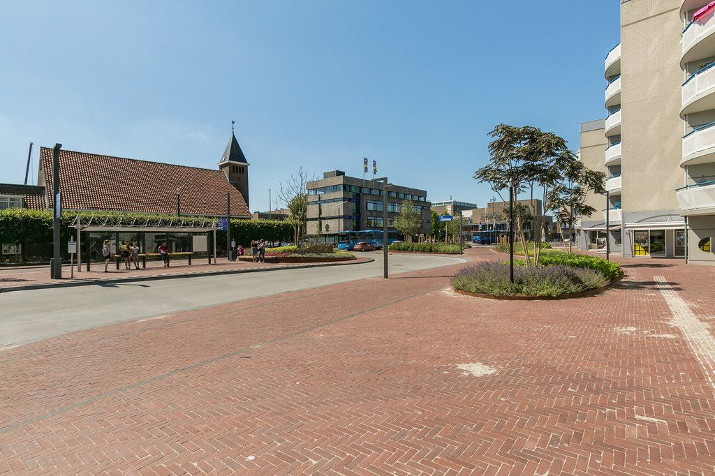 View photo 3 of Van Knobelsdorffplein 116