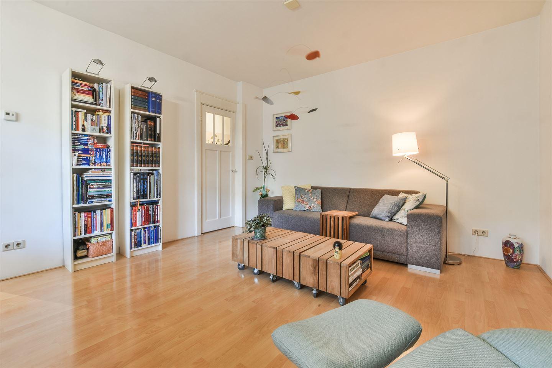 Bekijk foto 2 van Jan van Riebeekstraat 12 1