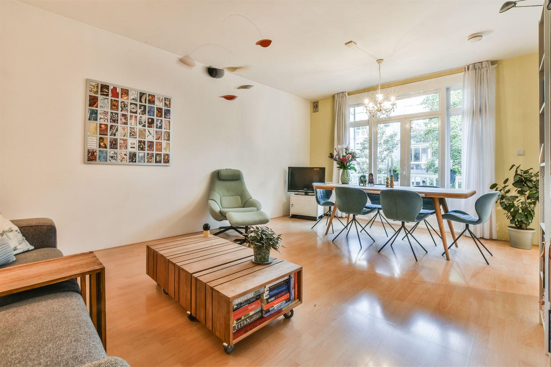 Bekijk foto 3 van Jan van Riebeekstraat 12 1
