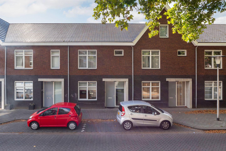 Bekijk foto 1 van Prins Karelstraat 101